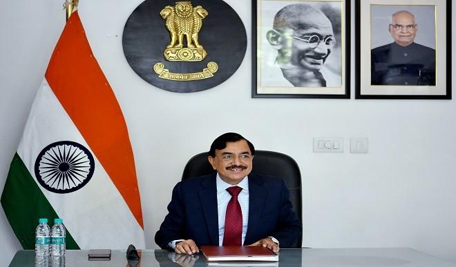 EC ने पांच राज्यों के मुख्य चुनाव अधिकारियों के साथ की तैयारियों की समीक्षा, सुशील चंद्रा ने कही यह अहम बात