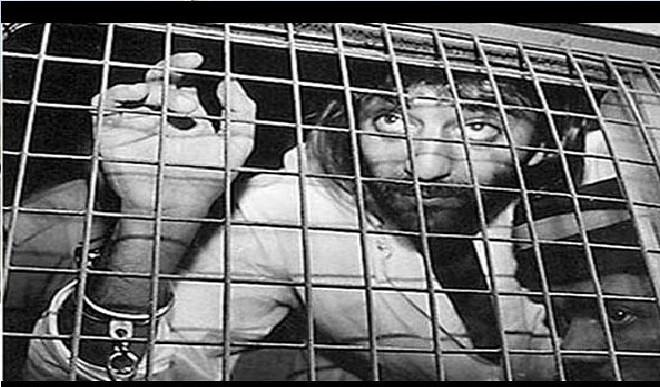 मुस्लिम महिलाओं ने दाऊद को भेजी चूड़ियां और बम धमाकों से दहल उठी मुंबई, संजय दत्त ने पुलिस को कही वो कहानी जिसने उन्हें बना दिया स्टार से गुनहगार