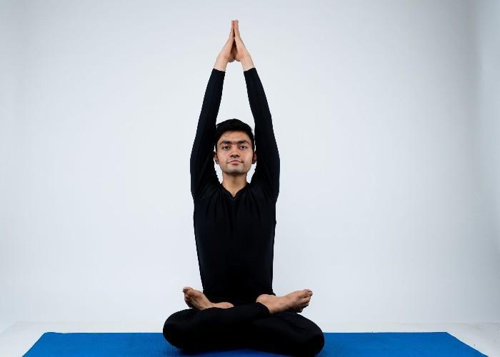 सुबह-सुबह बस 15 मिनट में करें यह योगासन, रहेंगे फिट और हेल्दी