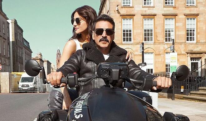 कोरोना में भी दर्शकों को सिनेमाघर बुलाने का दम रखती है अक्षय कुमार की फिल्म बेल बॉटम