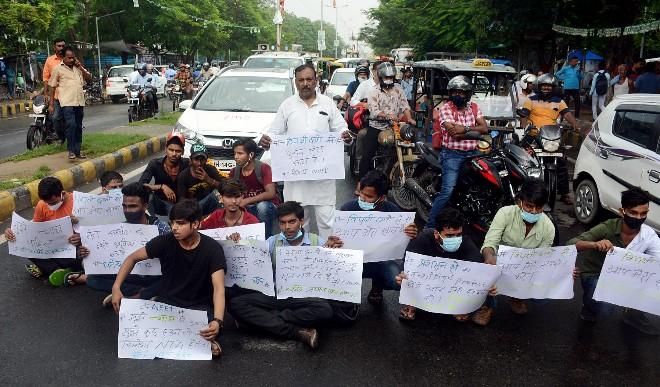 नीट परीक्षा तमिलनाडु को आजादी से पहले के समय में ले जाएगी: ए के राजन समिति