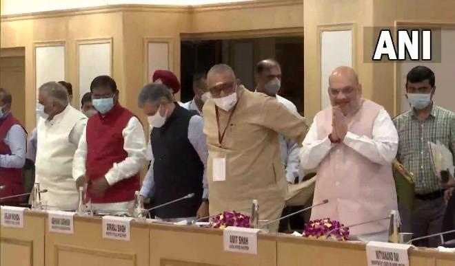 गृह मंत्री अमित शाह ने मुख्यमंत्रियों के साथ नक्सल प्रभावित इलाकों में सुरक्षा स्थिति की समीक्षा की